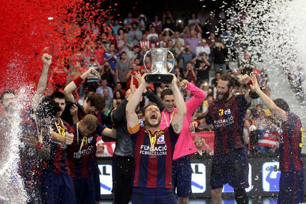 El Barça redondea la temporada con una sufrida victoria en la Copa del Rey